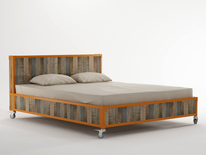 Wooden queen size bed on casters AK- 14 | Queen size bed by KARPENTER