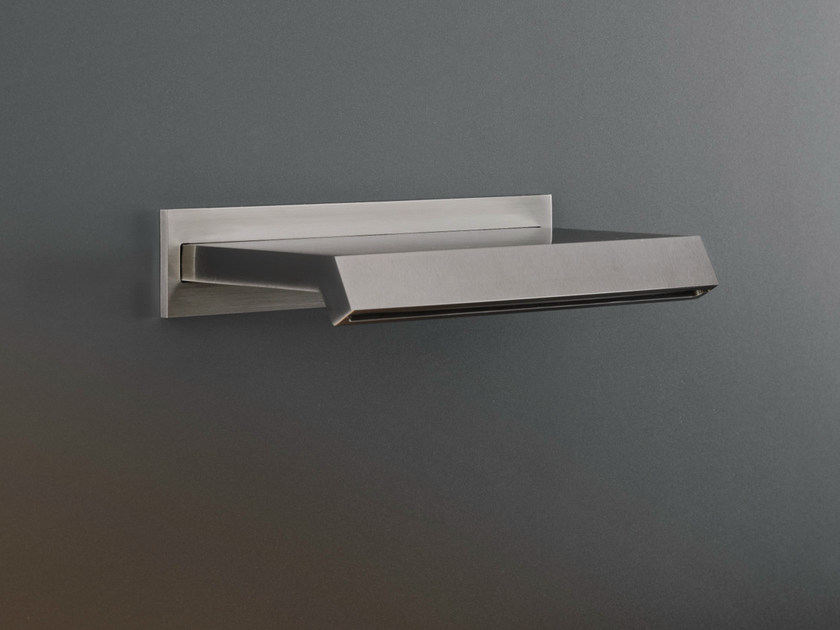 Waterfall spout with removable Delrin® aerator FRE 15 by Ceadesign