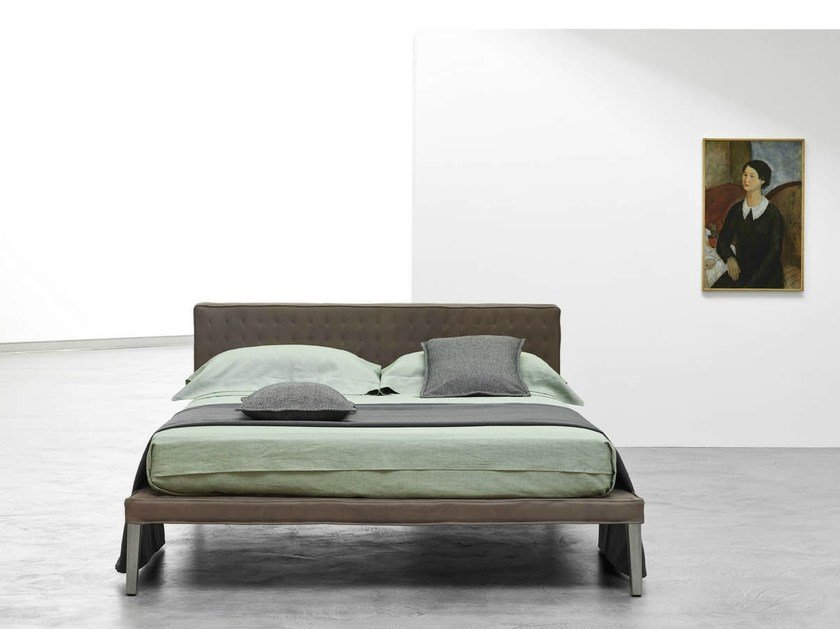 Double bed with tufted headboard EBRIDI | Bed with tufted headboard by Casamania & Horm