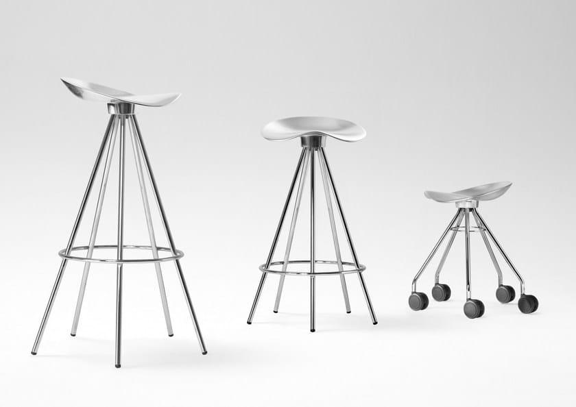 Sgabello basso in alluminio con ruote jamaica sgabello con ruote