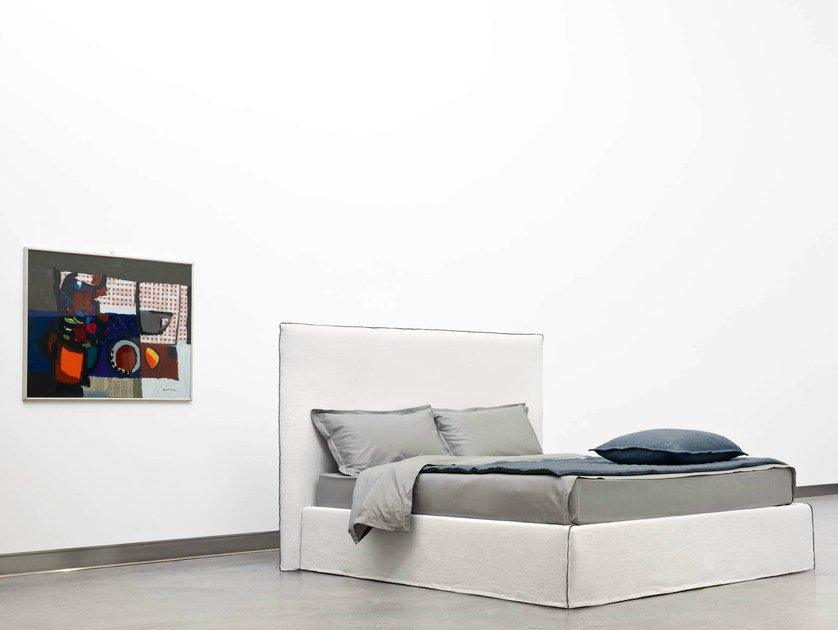 Double bed with high headboard TAHITI   Bed with high headboard by horm
