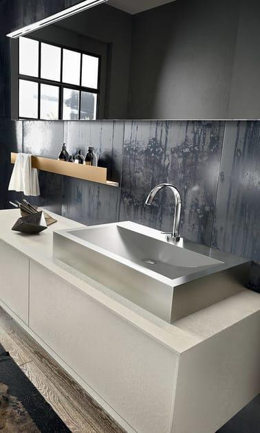 Mobile lavabo laccato sospeso con specchio regolo 323 edon by agor group - Agora mobili bagno ...