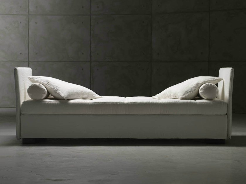 Fabric bed / day bed ISOLEUSE by horm