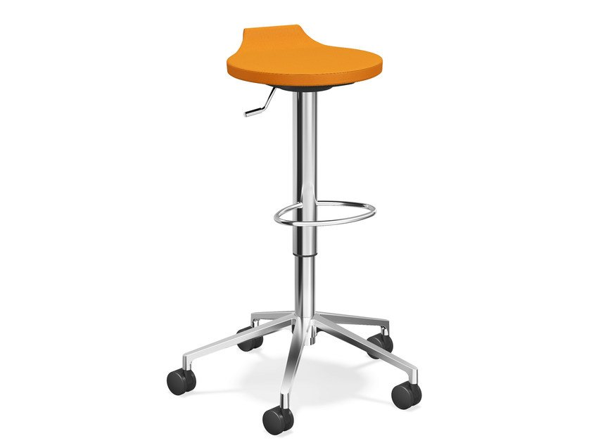Upholstered stool with casters RAVELLE V | Upholstered stool by Casala