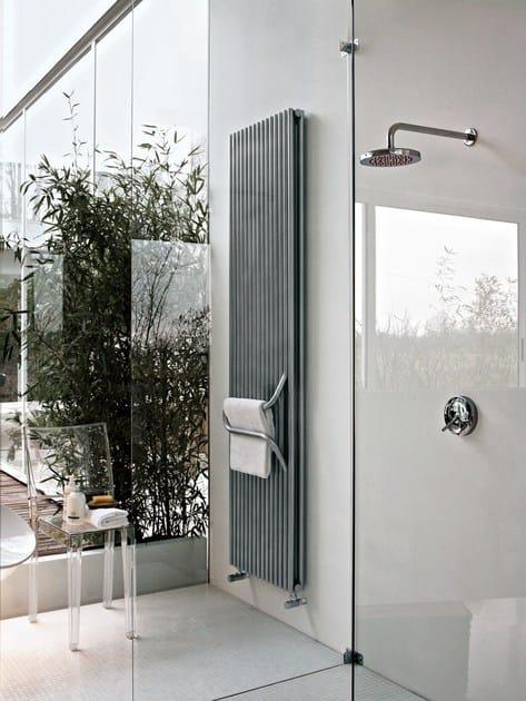 Termoarredo ad acqua calda verticale arkos by tubes radiatori - Termoarredo verticale ...
