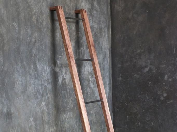Standing wooden towel rail TOWEL RACKS | Towel rail by KARPENTER