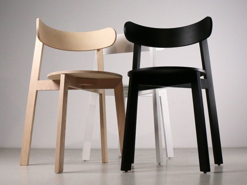 Ash chair RODA by Branca Lisboa