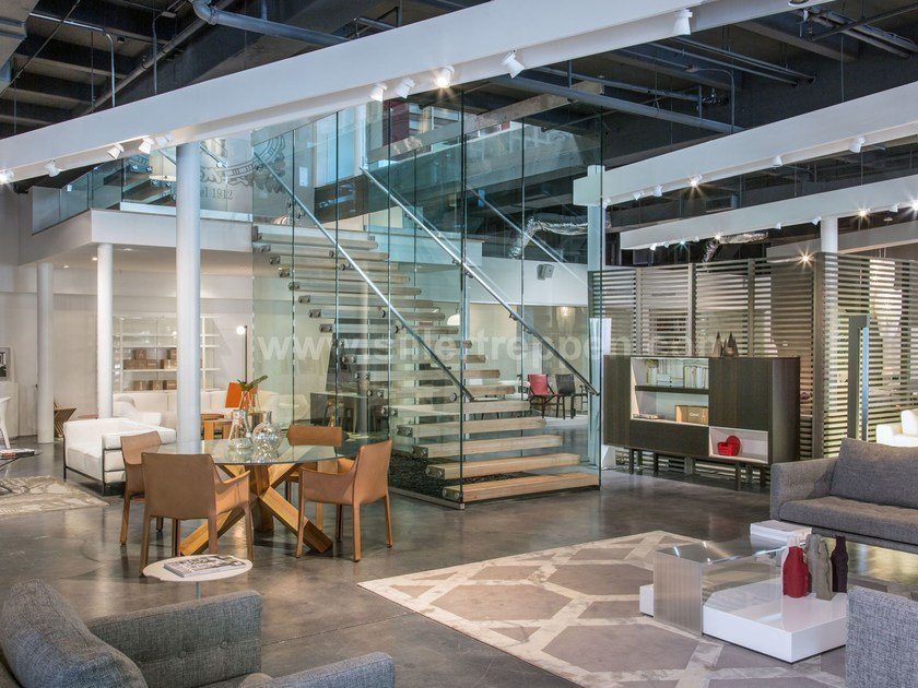 Self supporting straight glass Open staircase MISTRAL COMMERCIAL by Siller Treppen