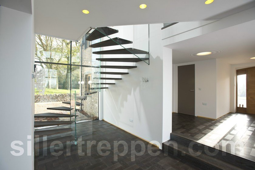Self supporting wood and glass Open staircase Mistral Wood by Siller Treppen