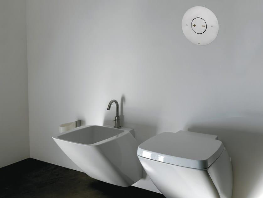INO-X 06 | Placca di comando per wc in acciaio satinato