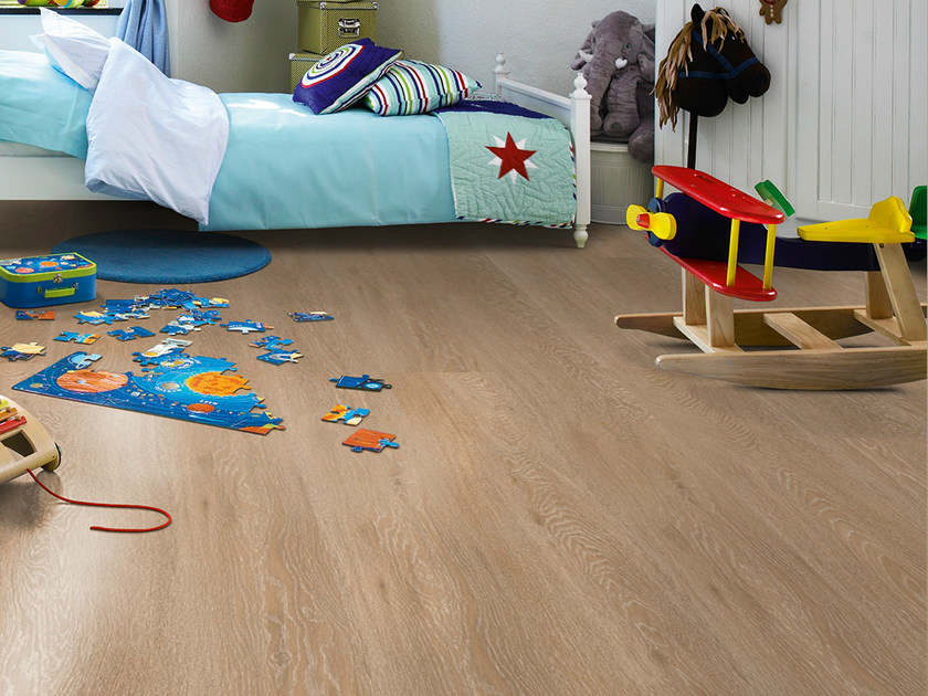 Laminate flooring with wood effect CHALKED OAK  PLANK by Pergo