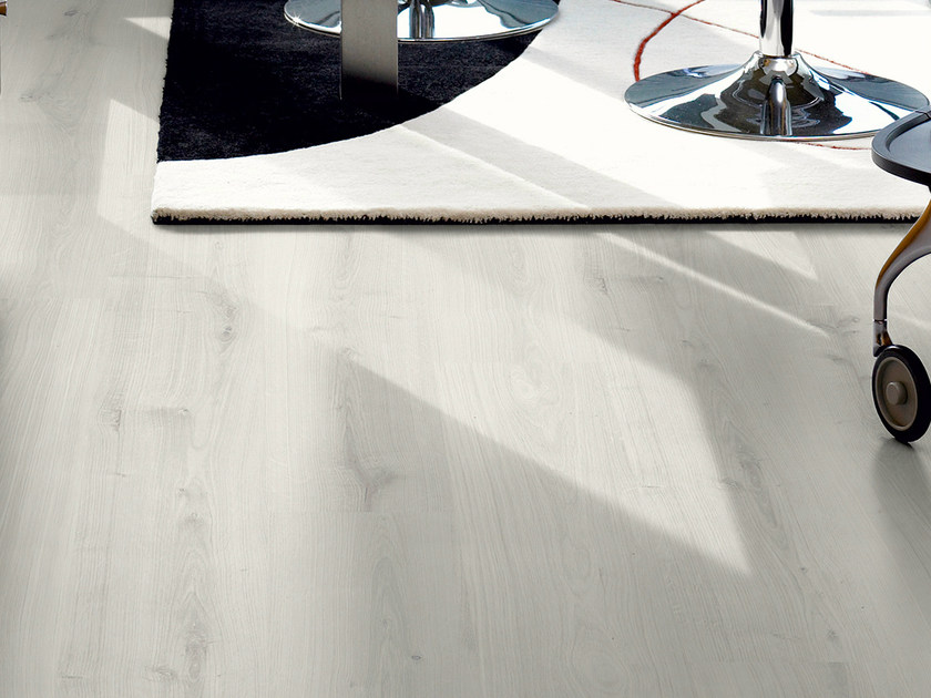 Laminate flooring with wood effect CLASSIC WHITE OAK  PLANK by Pergo