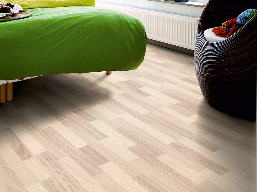 Laminate flooring with wood effect NORDIC WHITE ASH 3-STRIP by Pergo