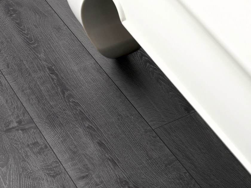 Laminate Flooring With Wood Effect Midnight Oak By Pergo