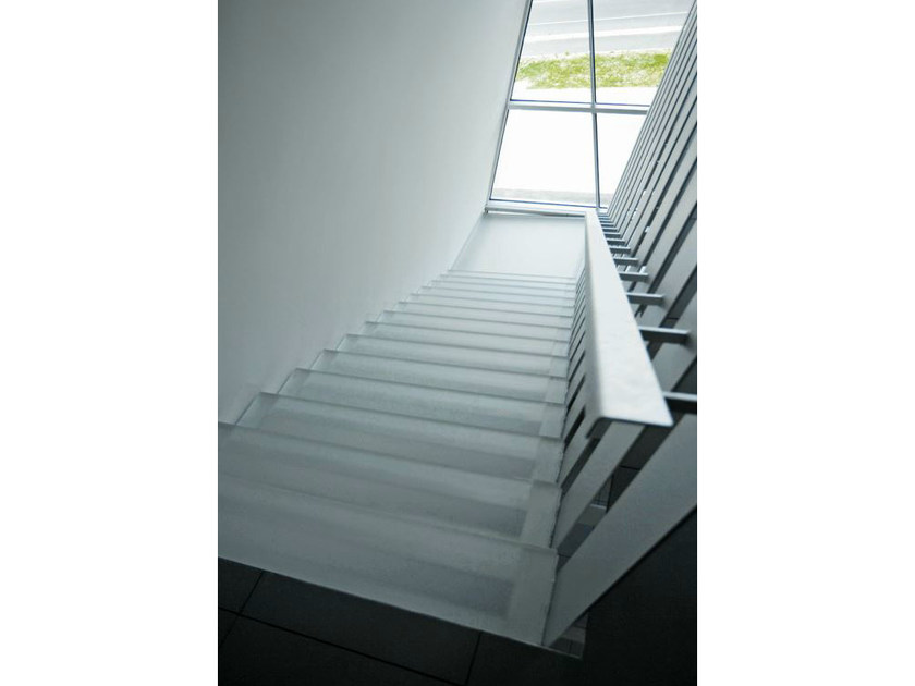 Non-slip glass staircase cladding DECORFLOU® ANTISCIVOLO by OmniDecor®