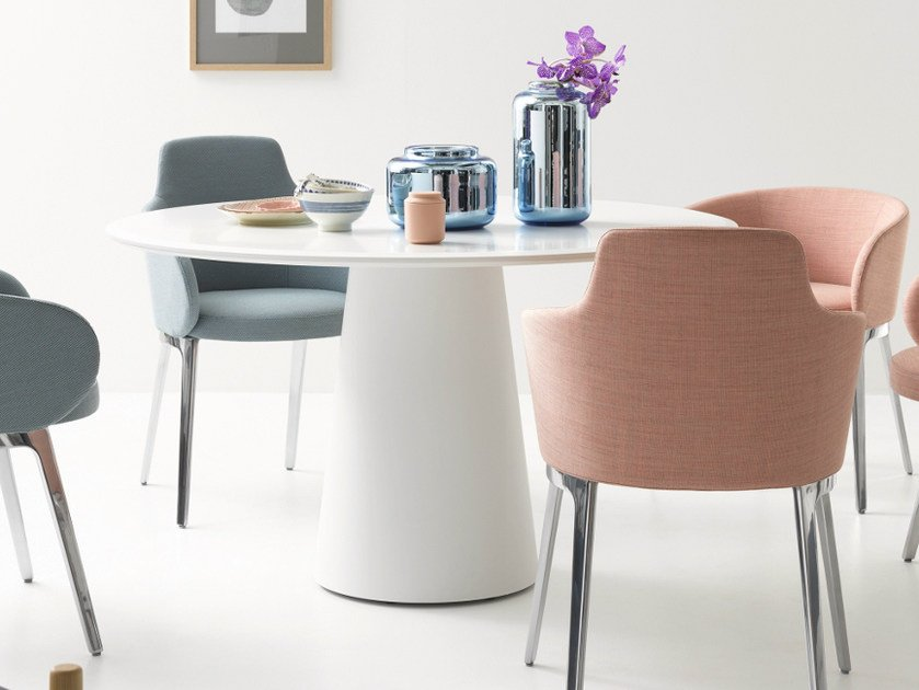 Lacquered round table CONIC   Round table by COR