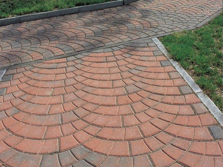 Concrete paving block PAVONE by Tegolaia