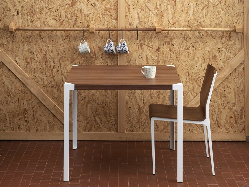 Square honeycomb table PAT   Square table by iCarraro