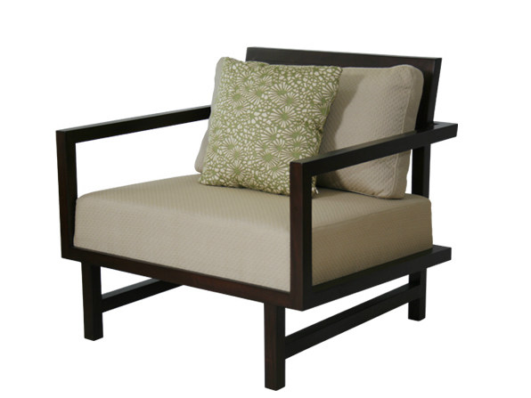 Upholstered armchair with armrests CUBULAR | Armchair with armrests by WARISAN