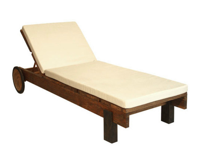 Wooden garden daybed with Casters MIRAI | Garden daybed by WARISAN