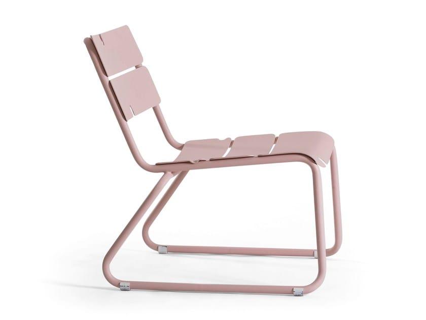 Sled base aluminium garden armchair CORAIL   Sled base easy chair by OASIQ