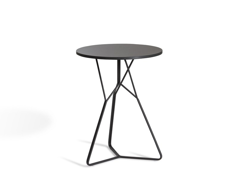 Round stainless steel garden side table SERAC | Garden side table by OASIQ