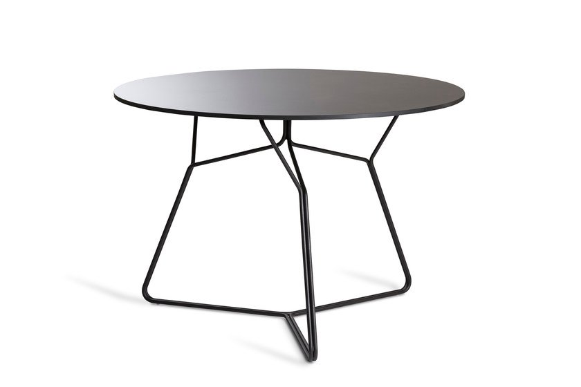 Round stainless steel garden table SERAC | Dining table by OASIQ