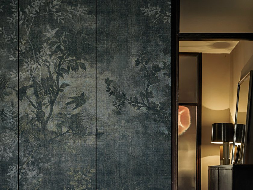 Wallpaper with floral pattern MIDSUMMER NIGHT by Wall&decò