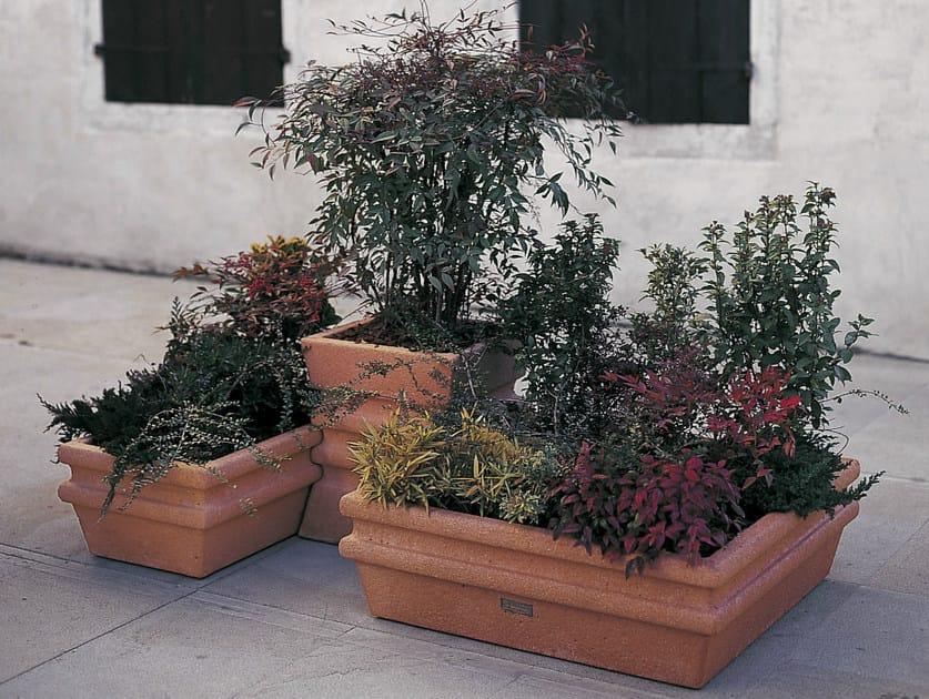 Concrete Flower pot VILLAONIGO by Tegolaia