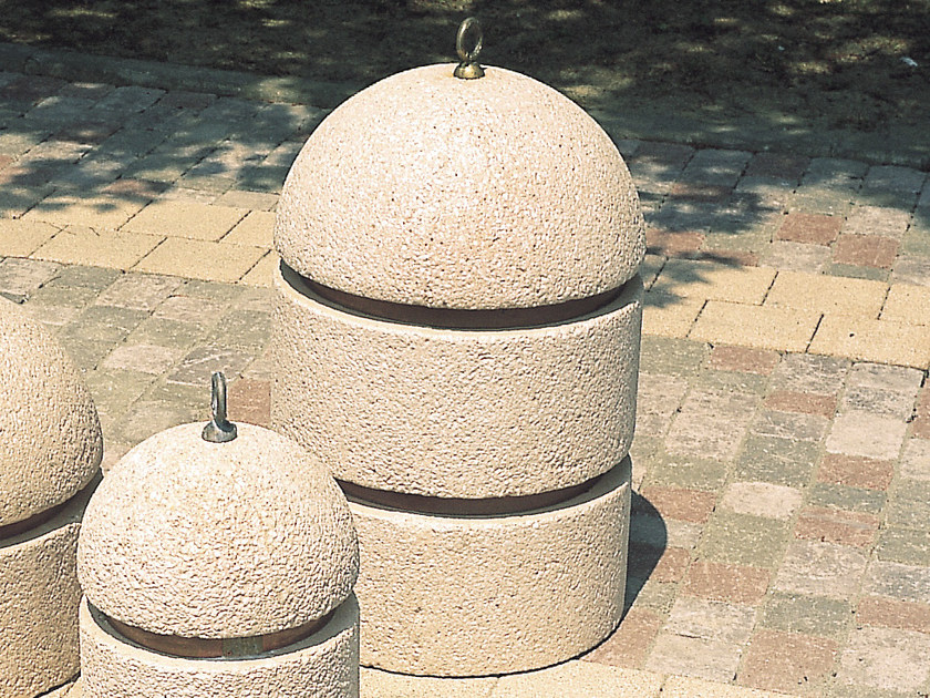 Concrete bollard with chains PARKING by Tegolaia