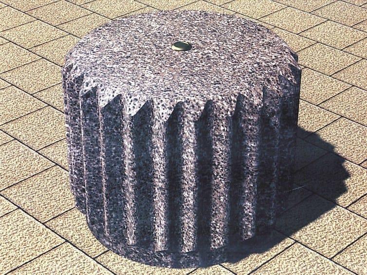 Concrete bollard PIGNONE by Tegolaia
