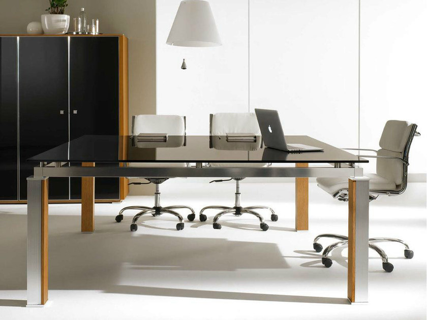 Square crystal meeting table ELECTA | Crystal meeting table by IFT