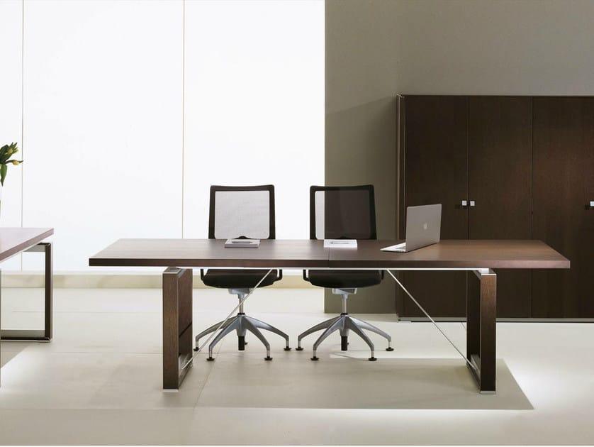 Rectangular wood veneer meeting table ELECTA | Rectangular meeting table by IFT