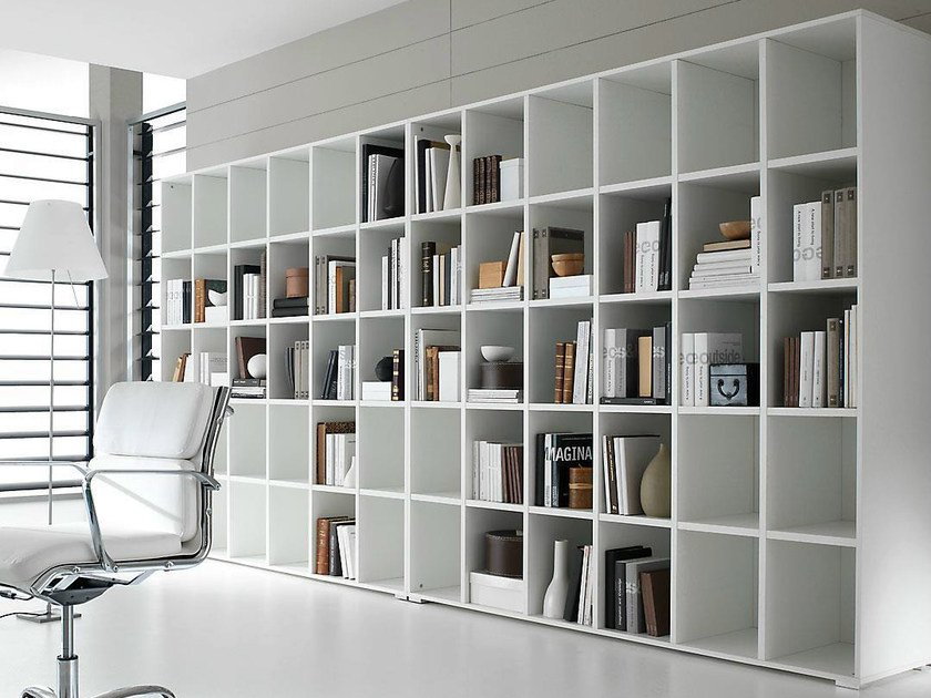 Open freestanding lacquered office shelving PRATIKO | Lacquered office shelving by IFT