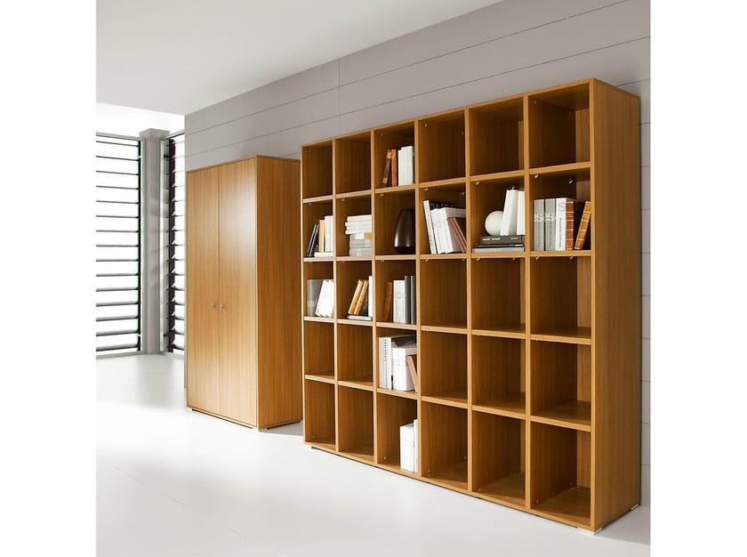 Open freestanding office shelving PRATIKO | Office shelving by IFT