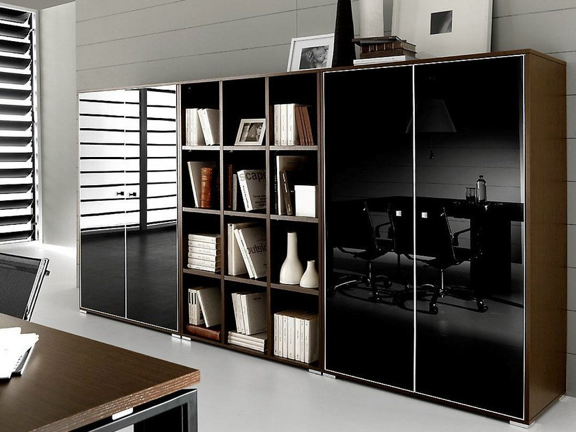 Tall lacquered glass office storage unit with hinged doors PRATIKO | Glass office storage unit by IFT