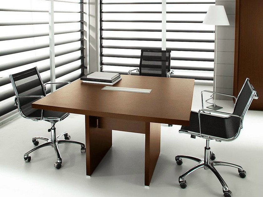 Square melamine-faced chipboard meeting table PRATIKO | Melamine-faced chipboard meeting table by IFT