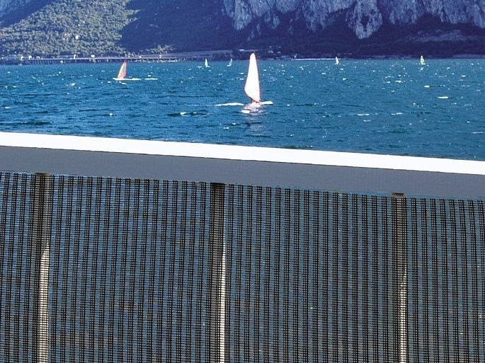 Plastic net for wind protection MISTRAL by TENAX