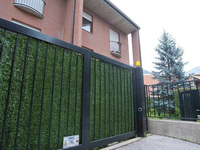 Synthetic hedge with wide fringes DIVY OPTIMA by TENAX