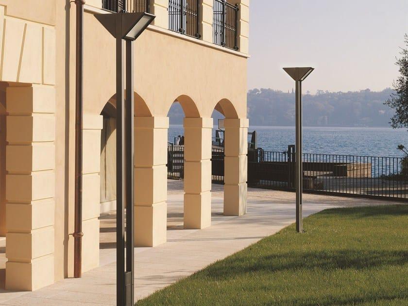 Aluminium garden lamp post TRIANGOLO CITY | Garden lamp post by Goccia Illuminazione