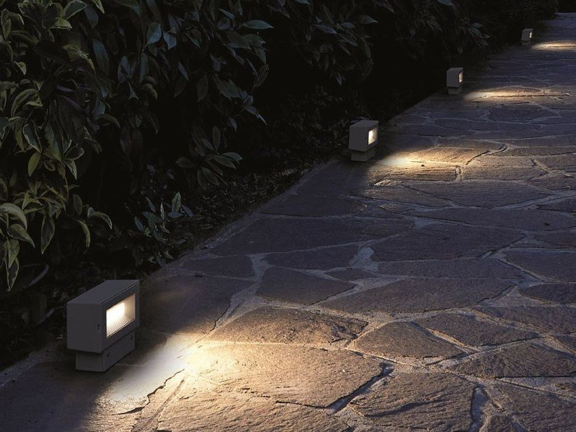 Aluminium bollard light QUANTUM Small Post by Goccia Illuminazione
