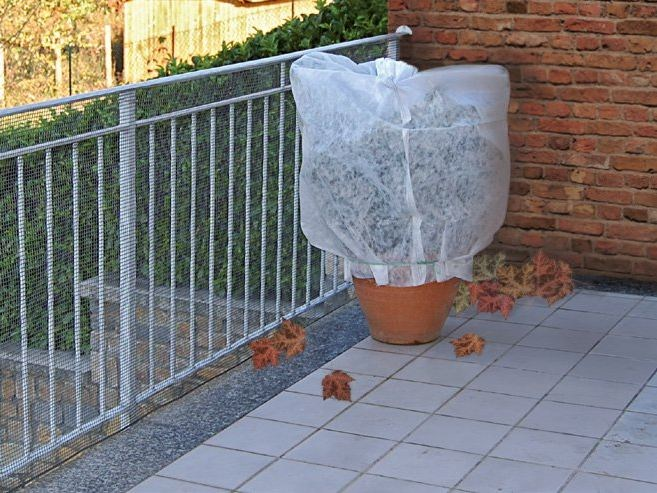 Tubular sleeve for plant protection TUBOCLIMA PLUS by TENAX