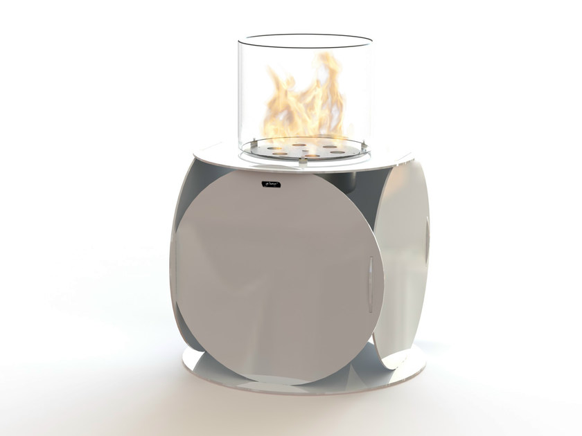 Open freestanding bioethanol fireplace LIRA | Lacquered steel fireplace by GlammFire