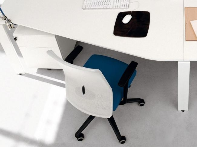 Task chair with armrests with casters OTAVO by Zalf