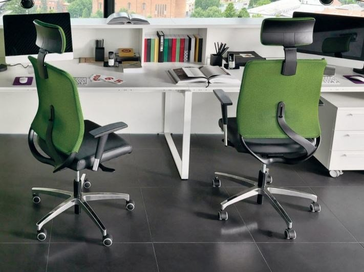Task chair with armrests with casters ECO by Zalf