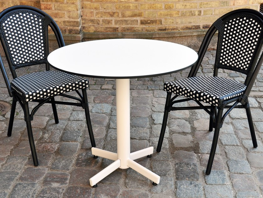 Metal table with 4-star base STABLETABLE CLASSIC | Table by StableTable