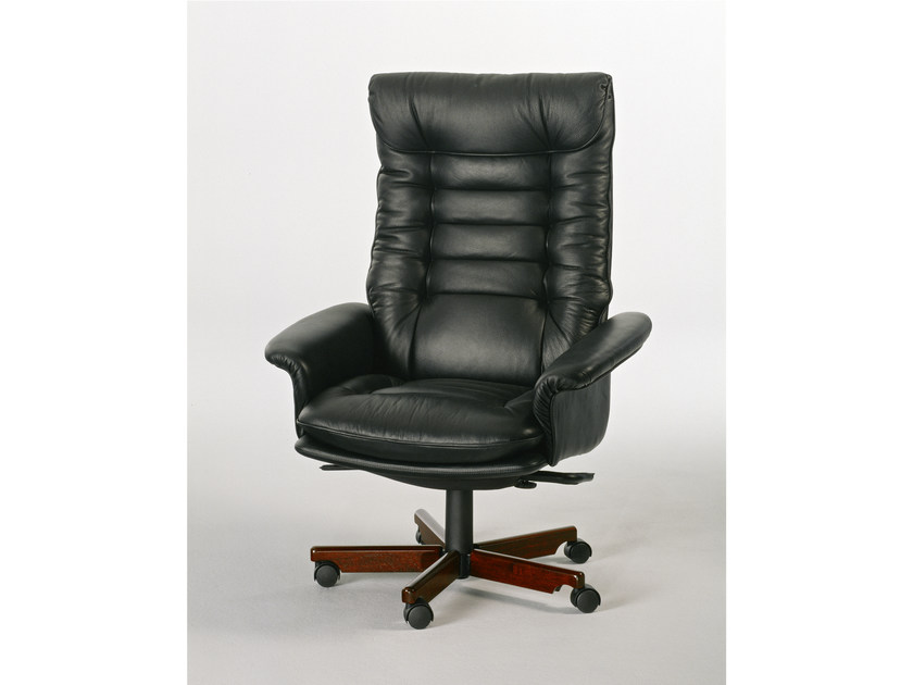 Executive chair with 5-spoke base with casters 7869W | Executive chair by Dyrlund