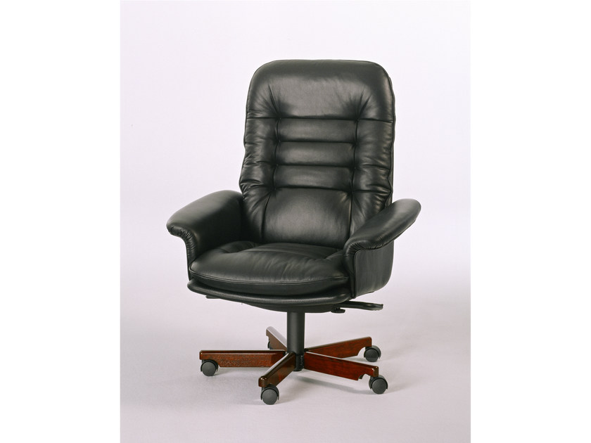 Executive chair with 5-spoke base 7870W | Executive chair by Dyrlund