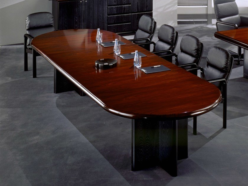 Lacquered oval meeting table 8612/10 | Meeting table by Dyrlund