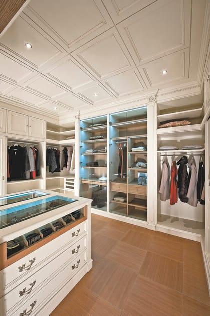 Boiserie / cabina armadio in legno PROGETTA | Cabina armadio ...